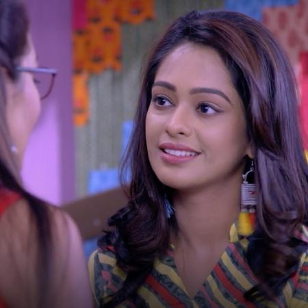 Pragya warns her daughter Prachi to be nice to Rhea but will that happ