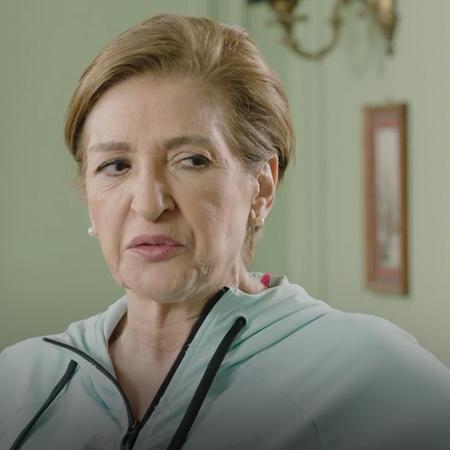 تشك سارة بمرض ابنتها تالين و تذهب لطبيبة نفسية طالبة مساعدتها