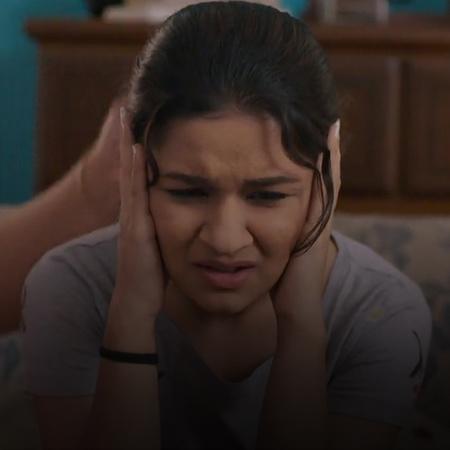 والدا نيكي يحاولان استجوابها، فيأتي كيتو لإنقاذها ويكشف الحقيقة. وتتفا