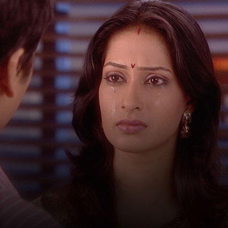 The old relation between Ashwin and Varsha is exposed to Satish.Will h