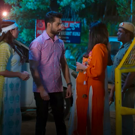 Mehak manages to escape but return when she learns one of the girls is