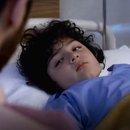 نيف يكتشف الحقيقة حول انتحال أرمان شخصية شوريا، لكت أرمان يخنقه بخيط ط