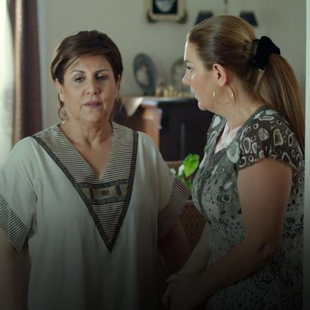 نايا تعود للعيش في القاهرة، وليلى تشك بفارس وتتهمه بالخيانة