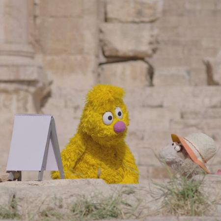 يذهب الأصدقاء في رحلة للمدينة الأثرية