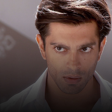 Asad buys Zoya a ticket to go to New York. Ayan asks for Omira's hand.