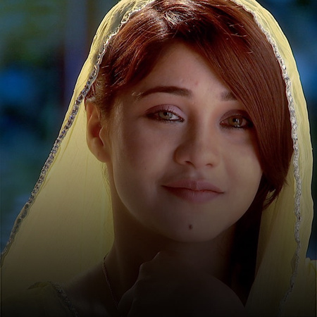 Tanveer threatens Zoya on the night of her Henna to snatch Asad from h