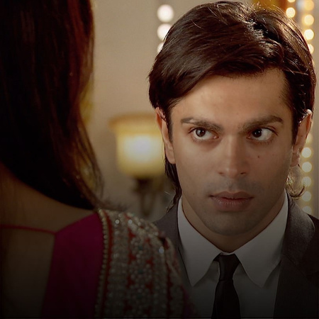 Asad will not handle seeing Zoya and Ayan together. Hassina is not tak