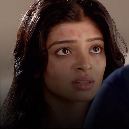 Farhan does not seem to be a loyal husband to Nakha. Ayan loses a lot