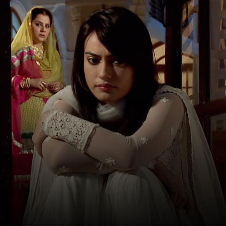 Shirine and Razia witness Zoya and Asad in an intimate scene. Tanveer
