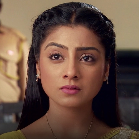 Ormi asks for her rights and her money from Samrat!
