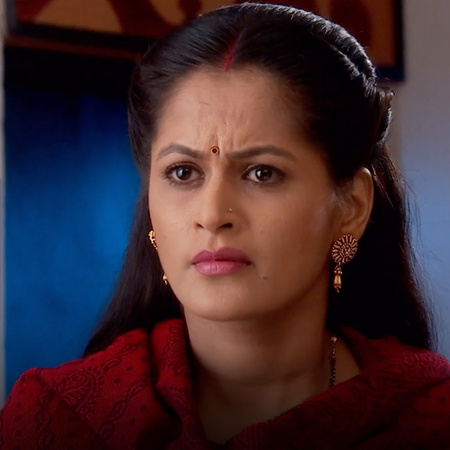 Samrat's family expels him from the house!