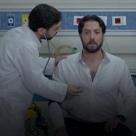 حازم يصاب بوعكة صحية ويذهب للمستشفى، أما غزل فتحاول العودة للعمل