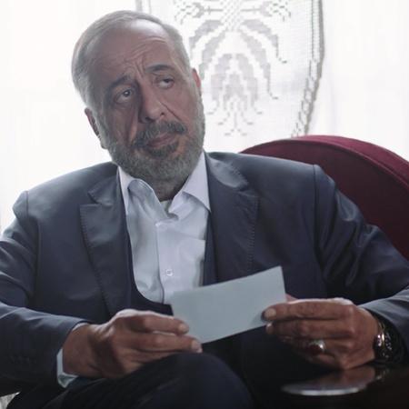 أبو عبيدة تحت الرقابة بعد شكوك تورطه مع أحزاب متطرفة