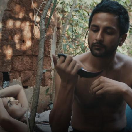 يحاول أرجون الكشف عن قاتل أخيه زيزو الذي اتهم بمقتله بعد خروجه من السج