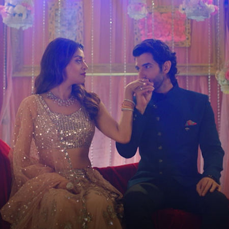 At Amy and Veer's engagement party, Veer initially apologizes to Tarin