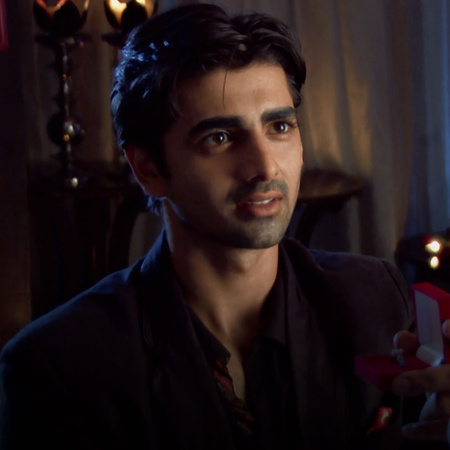 Rihan finds out everyting about Sehar and confronts her.