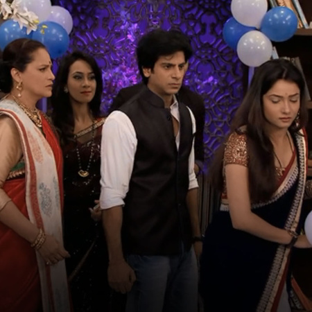 The season 6 of Ribat Al Hob takes a 20 years Leap. Mazhien and Rana a