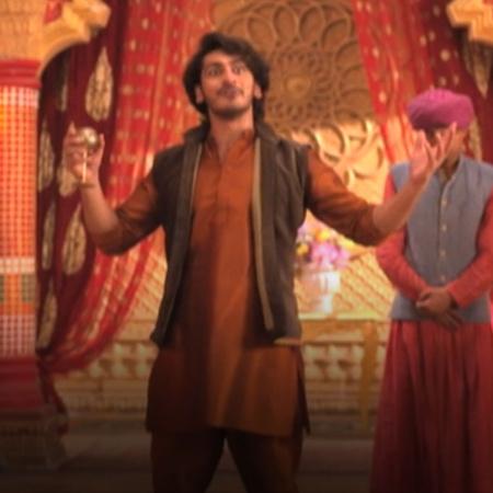ركن الدين يستعد لحفل تتويجه ليصبح السلطان وراضية تحاول إيقافه.
