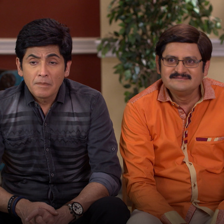 Tiwari gets back with Angoori after they discover Vibuti's evil intent