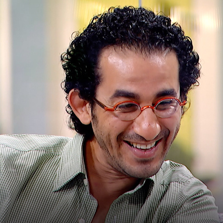 Ahmad Helmy hosts Adam on his talk show, Shwayet Eyal