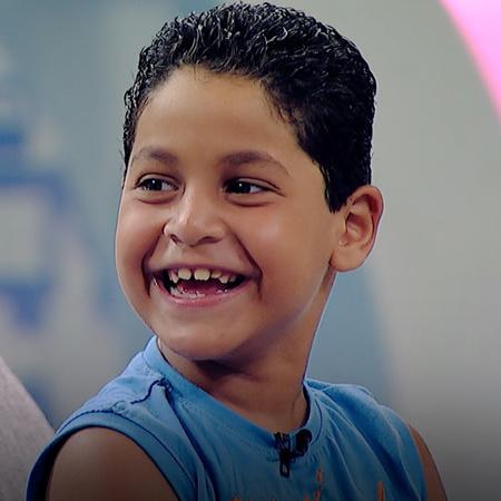 يستضيف الفنان أحمد حلمي الطفل نديم في برنامجه شوية عيال