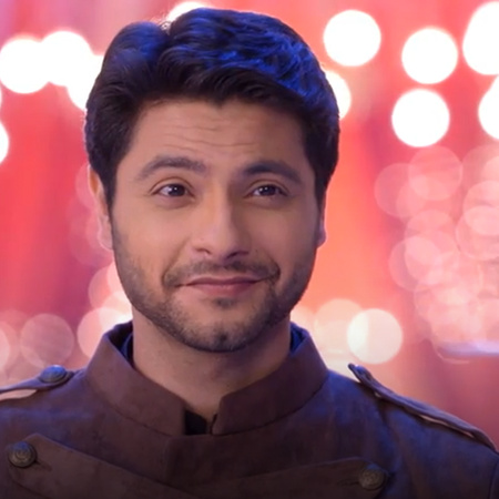 King goes out of prison and joins the Abhi's family with the wedding
