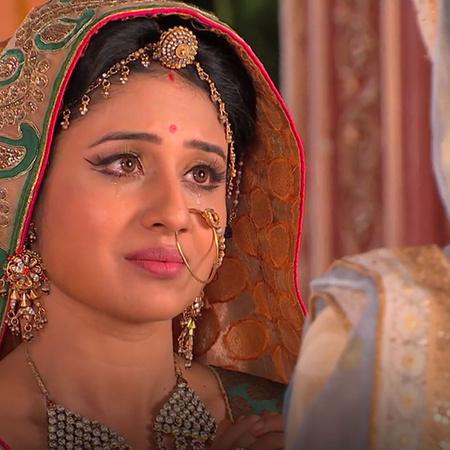 Jalal asks Joudah to forgive him after he hurts her