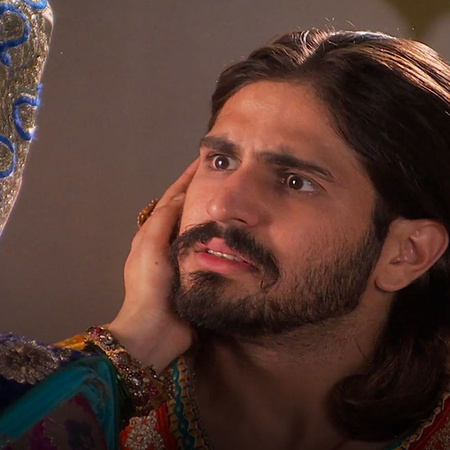Mourad asks Jalal to forgive him and He is trying to fix his mistake