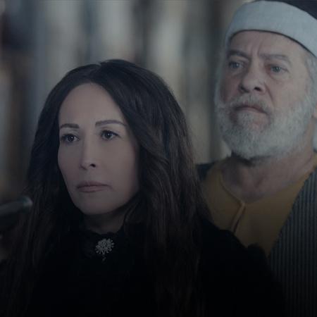 نسر بيك يجلس على طاولة الإفطار ويدعو نرجس وزوجها، فكيف سيتصرف رامح؟