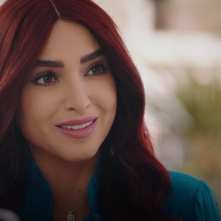 Hossam asks Azza to go to the prosecution office to find out about her