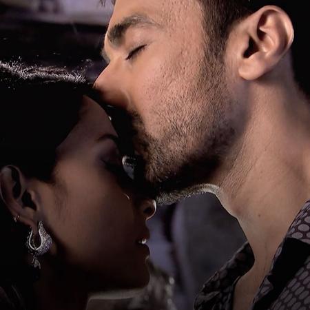 تعترف كالفانا لراكاف بحبها له للمرة الأولى ولكن هل ستكشف سرهم بادي؟
