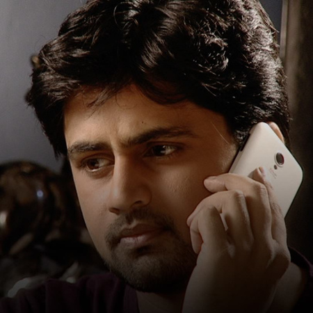 An argument erupts between Bhagirathi and Shree over his marriage to J