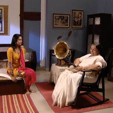 Shree goes to Kanta's home and is disgusted by his drunken state.