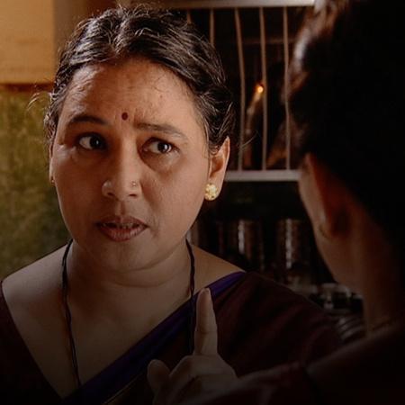 Shashikala creates lies about Janhavi and relays them to the groom's m