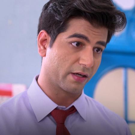 A surprise visit from Rishab and Karan to Brita's house. Brita gives D