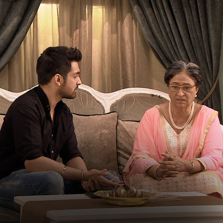 Purabh tells Dadi to reveal the truth behind Pragya's actions to her m