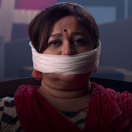 Tanu tells Nikhil to kill Pragya's mother but he has other plans. Is s