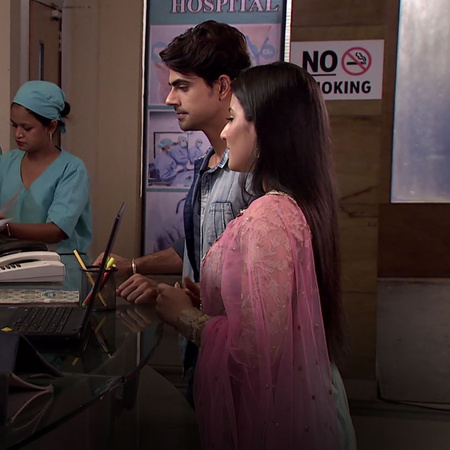 Mitali finds out that Tanu was the one to rob the briefcase however, T