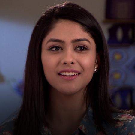 Alia hires a serial killer to kill Pragya and makes a full proof plan.