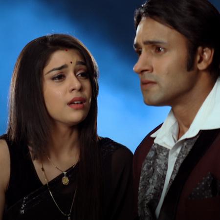 ليلى تعبر عن كرهها لناينا وتحاول طردها من القصر. شبح راني يعود لكي يسا