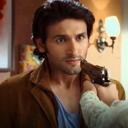 راجا يحاول اختطاف راني بعد أطلاقها للنار عليه