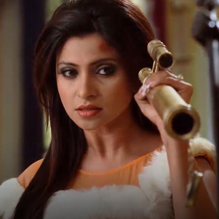 ليلى تحاول الانتقام من ناينا بعد زواجها من راجا