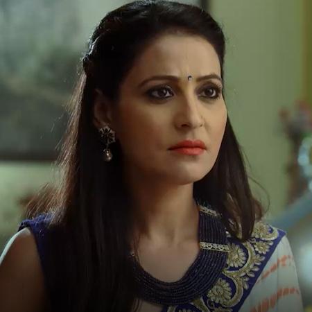 سوناندا تخبر راني سبب كرهها لعائلة راج. راج يأخذ راني إلى رحلة لكي ينت