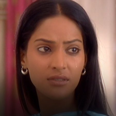 Saloni is in a bad situation with Prince Nahar family, will the relati