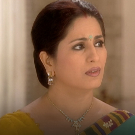 Saloni is trying to hide Kaveri's secret from her husband but he decid