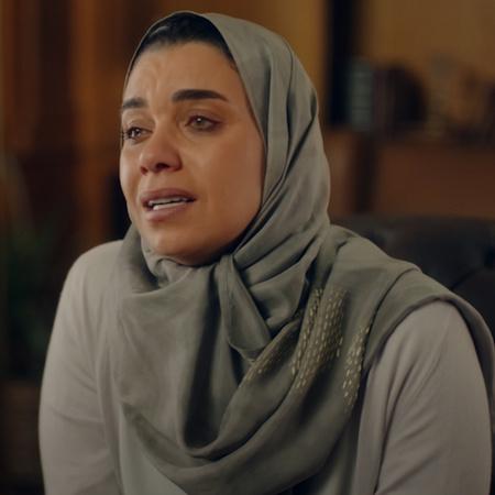 طارق يهدد كاريمان يمنحها فترة زمنية قصيرة لإعادة العقود