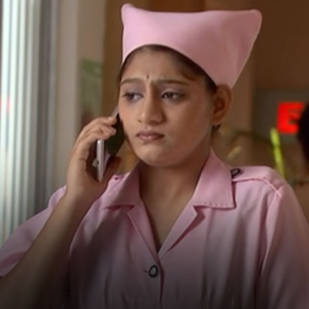 Malati discovers that her manager is taking a bribe and decides to be