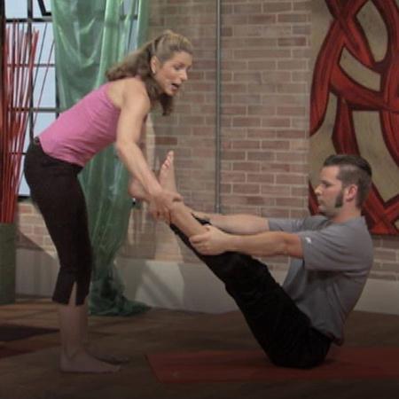 بيلاتيس لا يبرز عضلة على حساب عضلة أخرى او يمرن العضلات عشوائيا ولكن ي