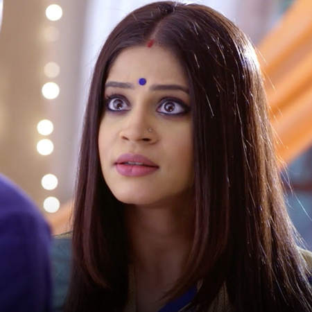 Angad forces Guddan to marry her, Guddan rejects his advances stating