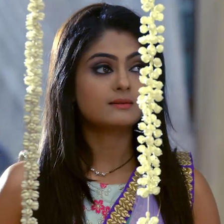 At the prayer meeting for AJ, Angad offers to marry Guddan and surpris